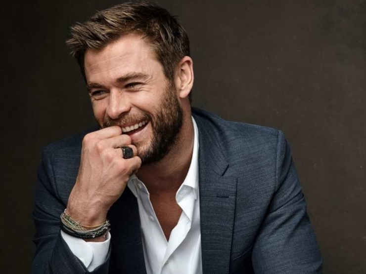 Chris Hemsworth Net Worth 2020 | Bio, Age, Height ...
